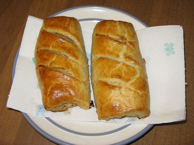 sausage roll served in australia